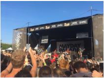 """Crowds """"Mosh"""" at Warped Tour 2016"""