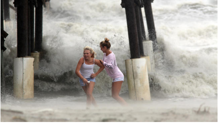 Americans Come Together as Hurricane Matthew Batters Southern Coast
