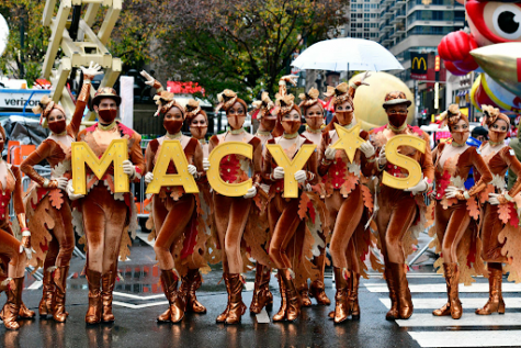Performers at the parade wearing masks (Getty Images for Macy's Inc./Eugene Gologursky)