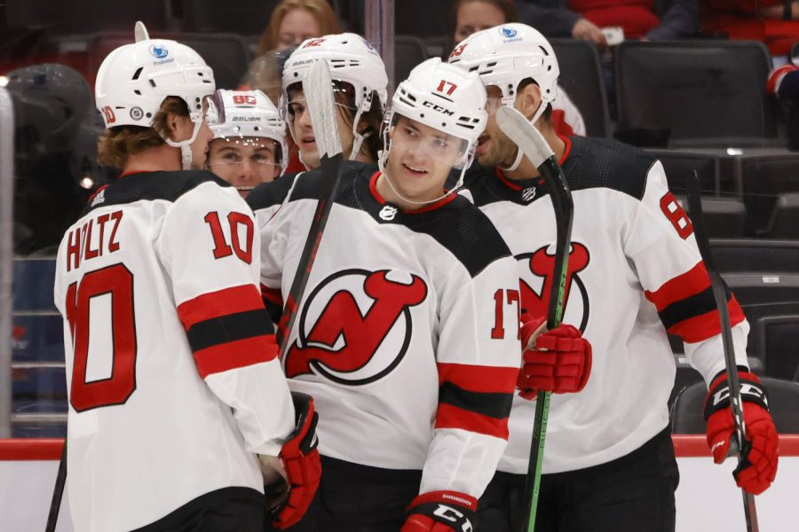 Devils+victorious+over+Capitals+5-4%0ACredits-+Geoff+Burke+USA+TODAY+Sports